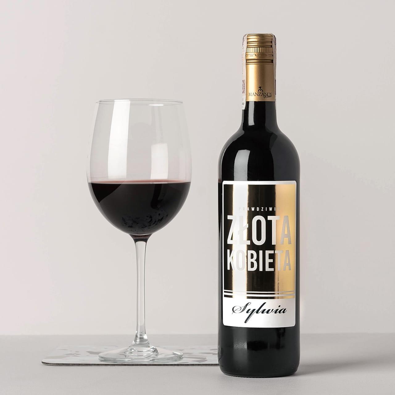 Czerwone wino alkoholowe jako relaksujący prezent dla żony do 200 zł