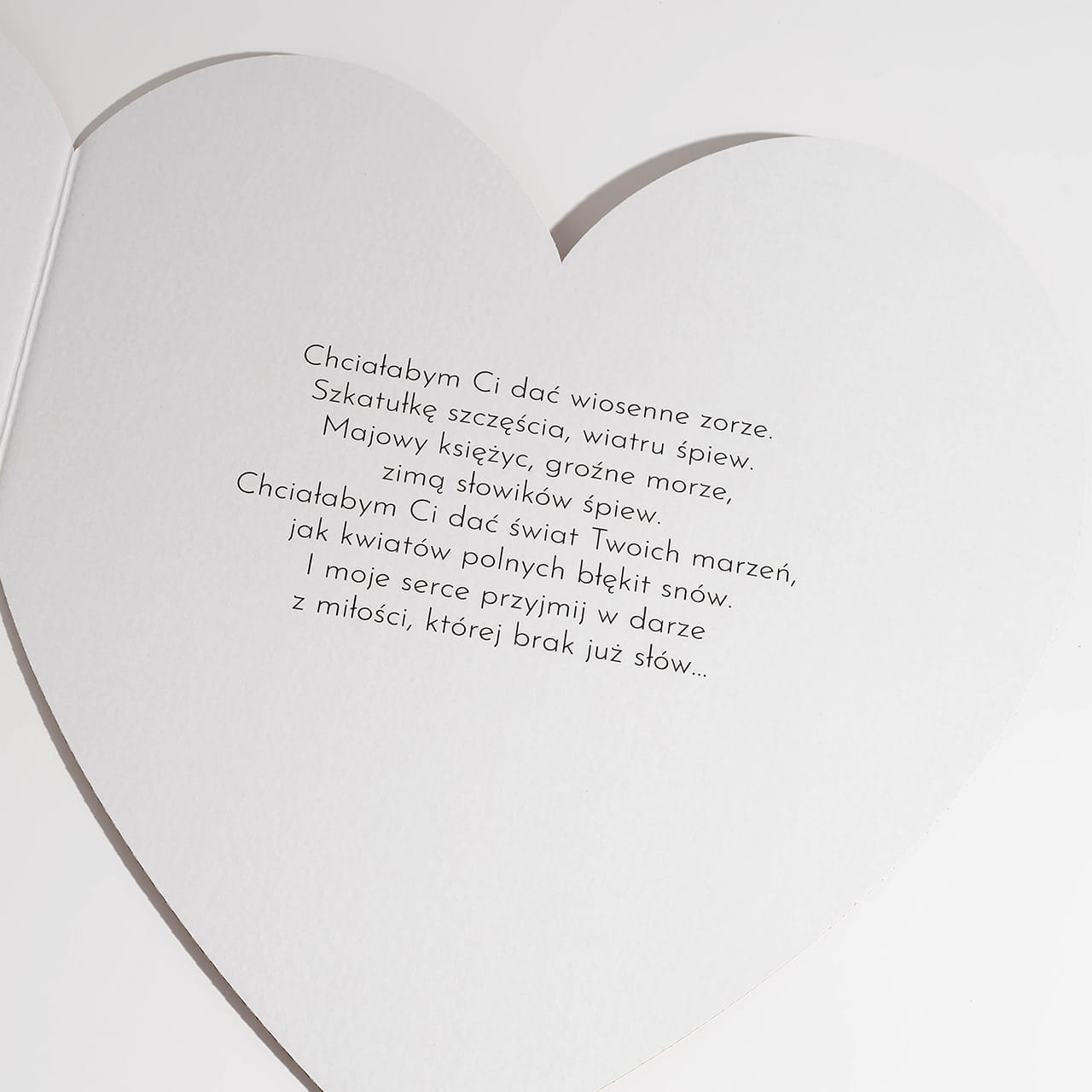 Kartka SERCE jako miłosny prezent na pożegnanie przed wyjazdem