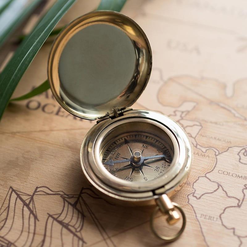 Kompas w grawerowanym pudełku PREZENT NA DZIEŃ OJCA