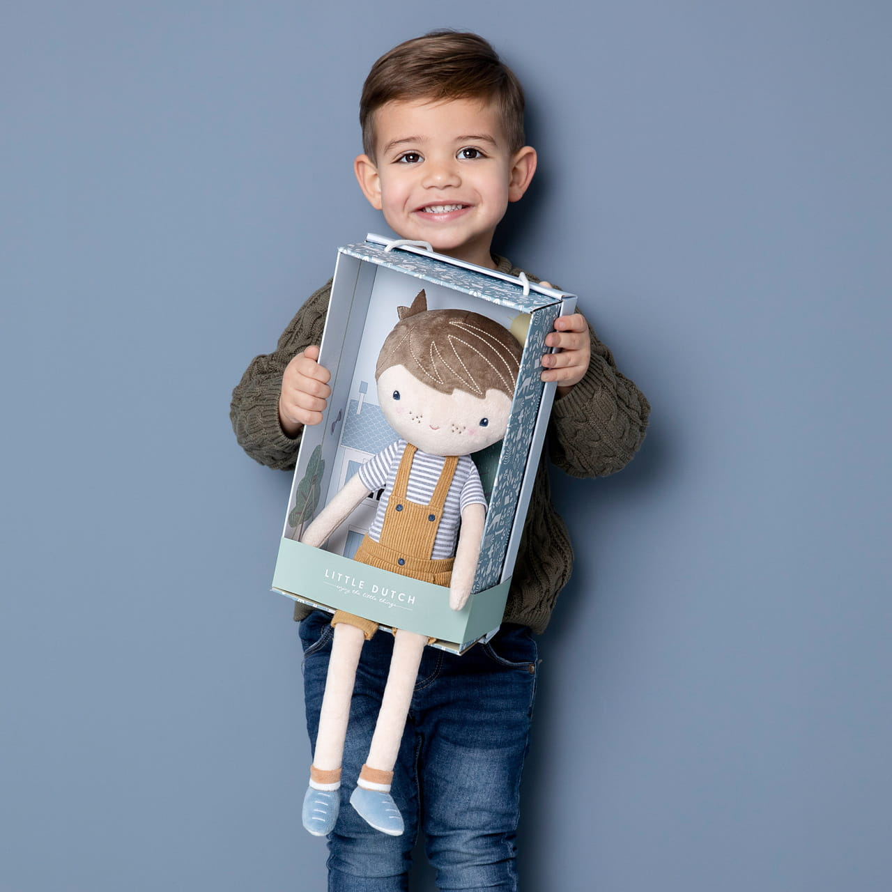 Pluszowa lalka na prezent dla chłopca
