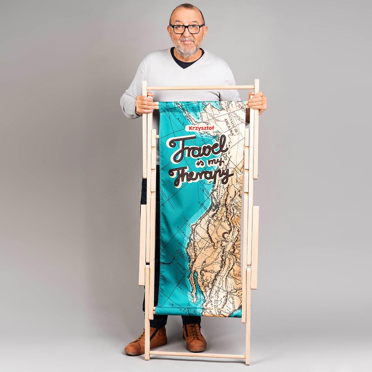 Leżak TRAVEL IS MY THERAPY prezent dla podróżnika