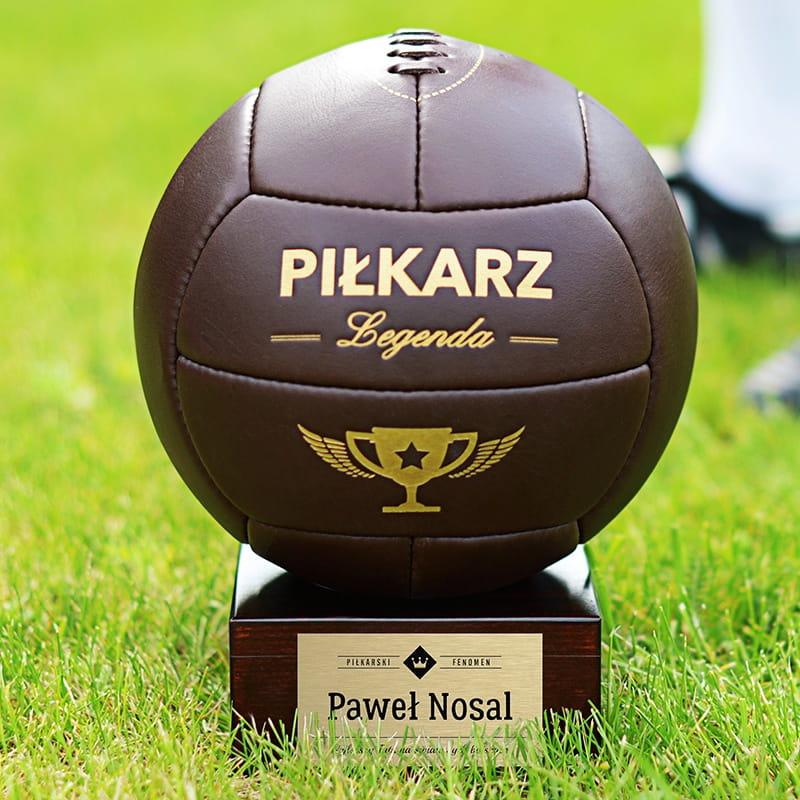 Piłka skórzana na prezent dla piłkarza