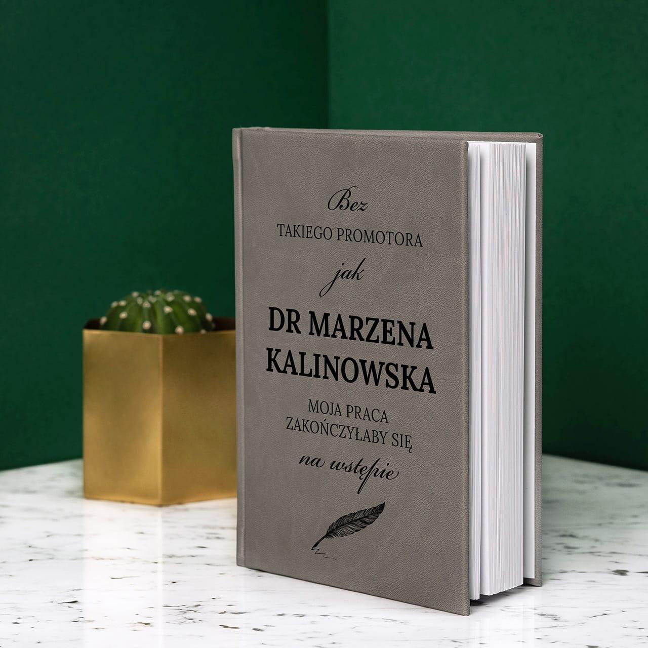 Planner książkowy na prezent dla promotora