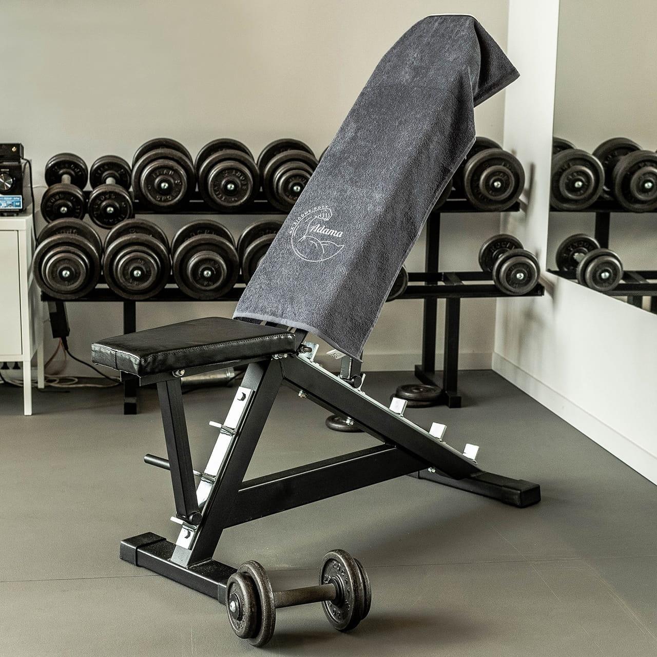 Ręcznik na siłownię to prezent dla chłopaka sportowca