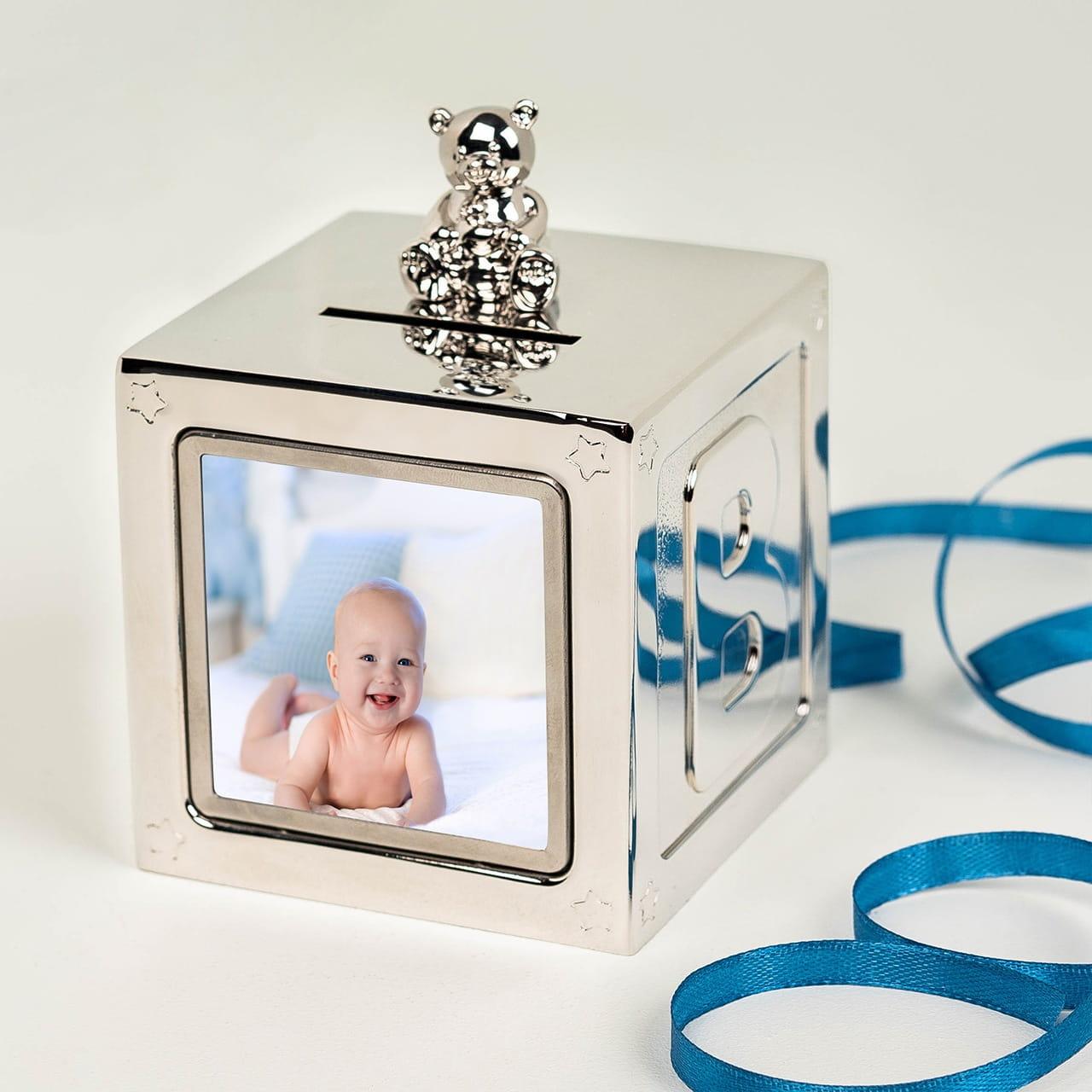 Skarbonka to pomysłowy upominek na narodziny dziecka