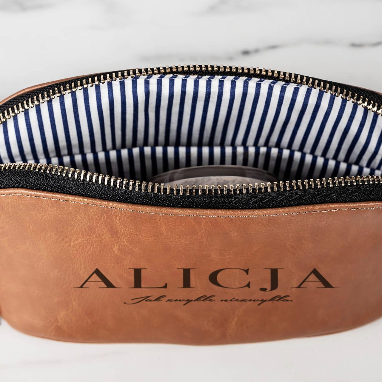 Skórzana kosmetyczka z nadrukiem na elegancki prezent dla Ani