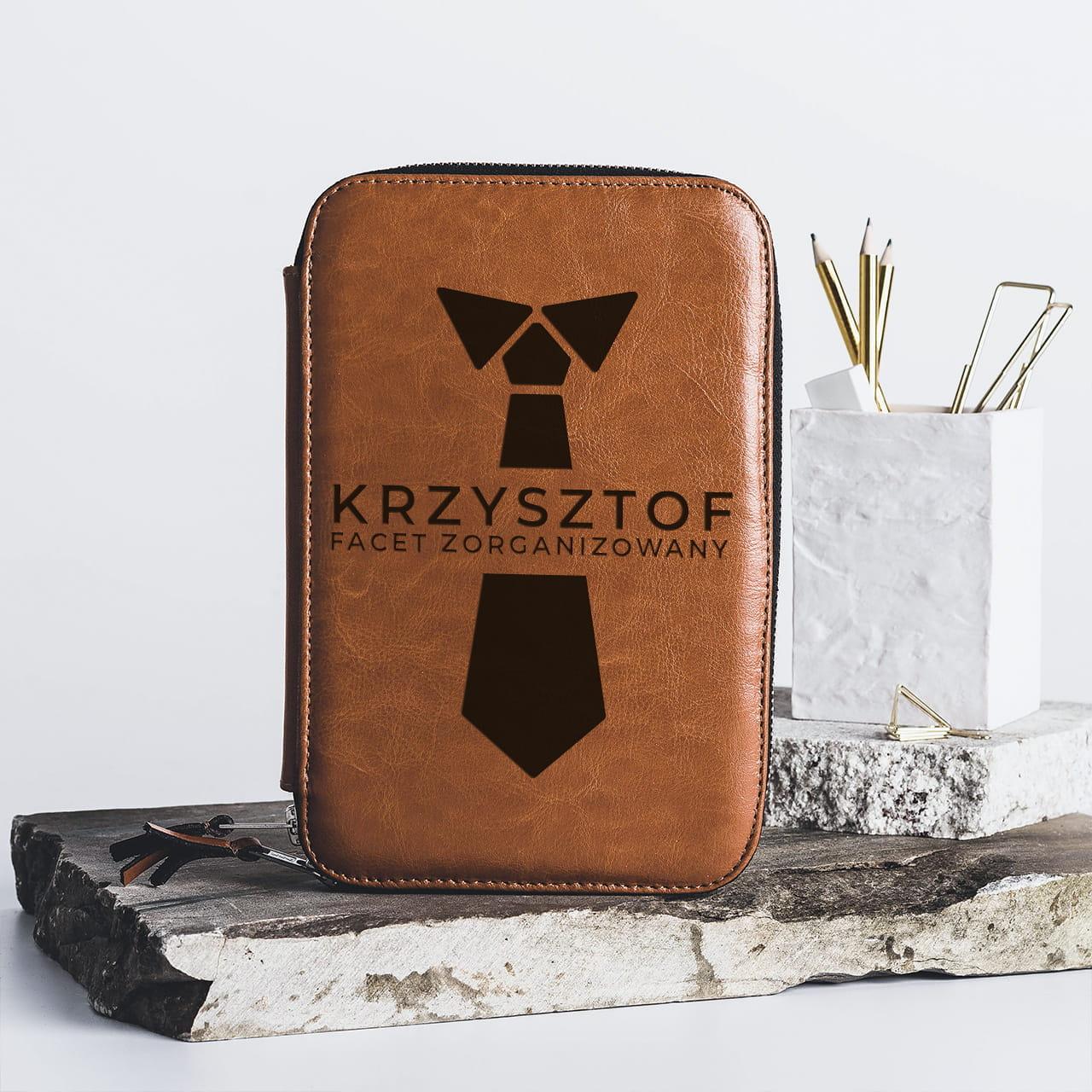 Skórzany organizer - elegancki prezent dla Krzysztofa