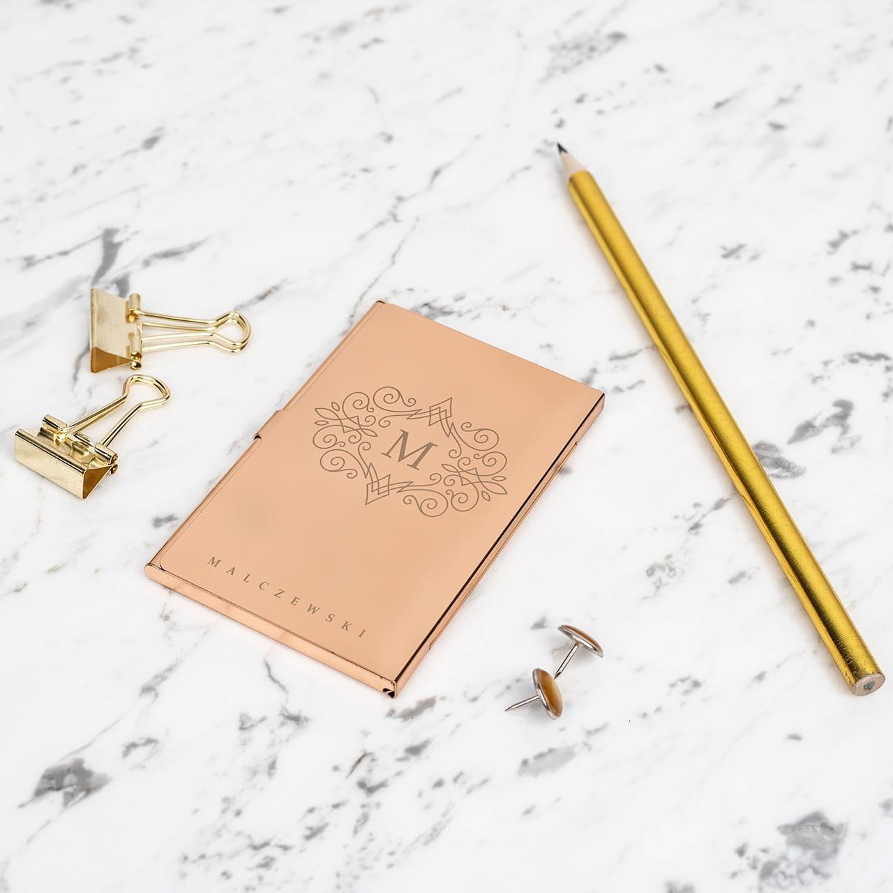 Złoty wizytownik to elegancki prezent dla prawnika