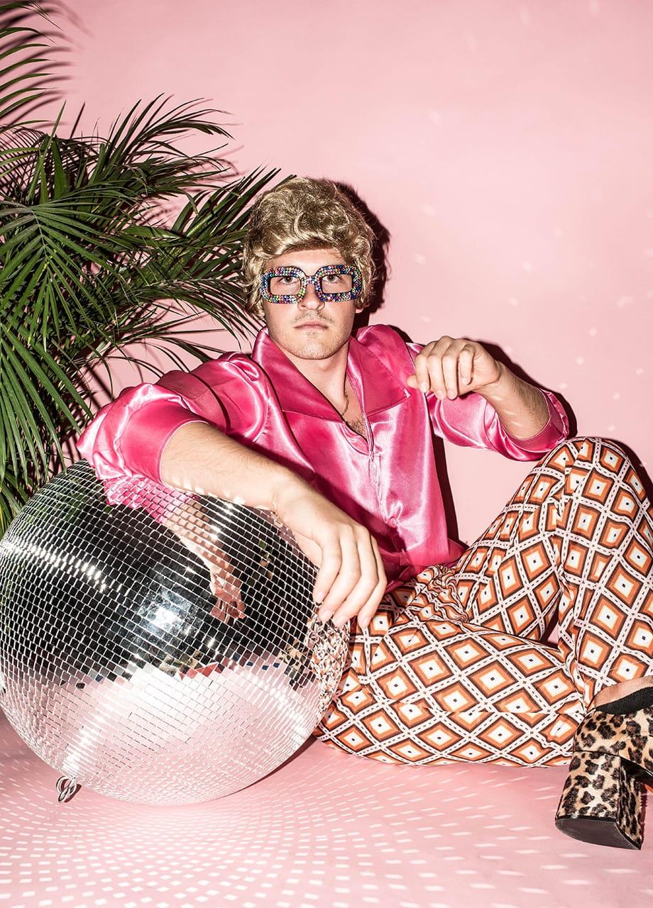 Koszula męska różowa LATA 60. Elton John sklep PartyBox.pl  KUtla